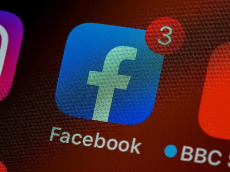 Jak prowadzić naszą stronę na Facebook?