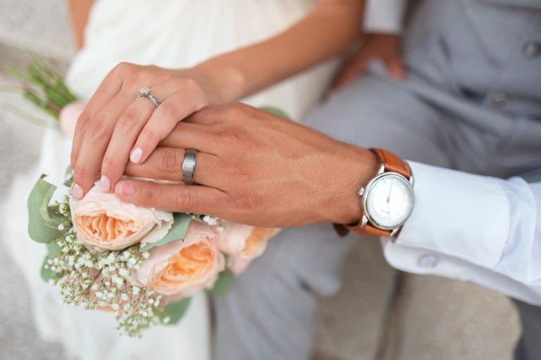 Sposoby na wybranie idealnych obrączek ślubnych