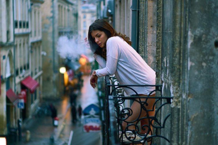 Jakie zalety mają osłony balkonowe i czemu coraz częściej się na nie decydujemy?